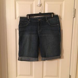 Bermuda jean shorts- size 10
